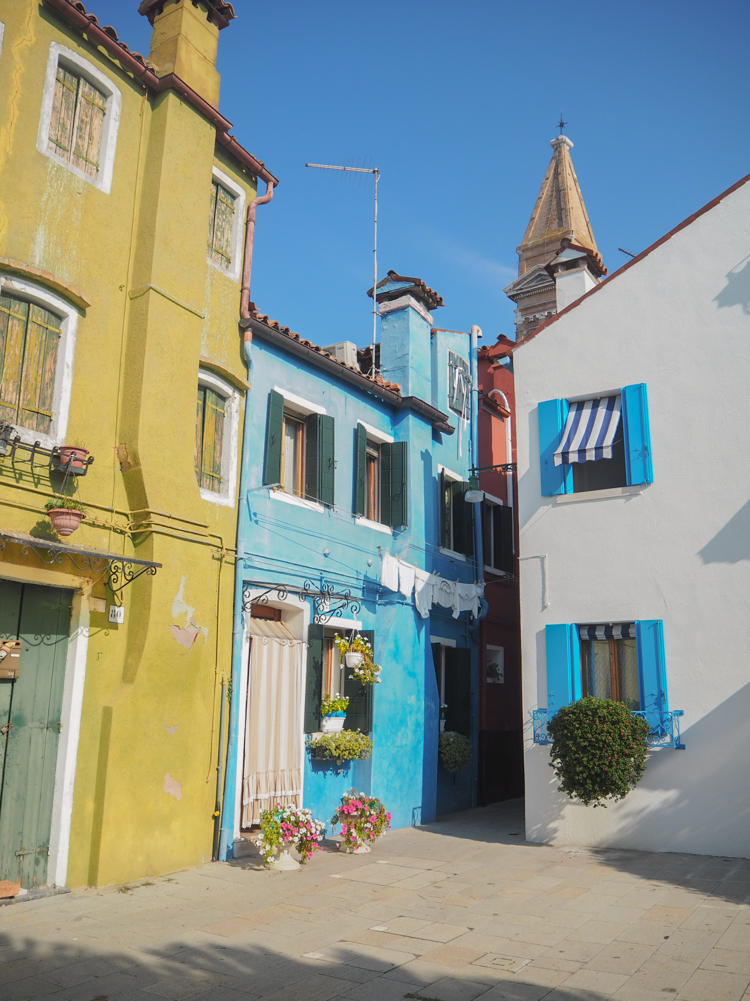 Ghenet Actually || Burano Over The Rainbow