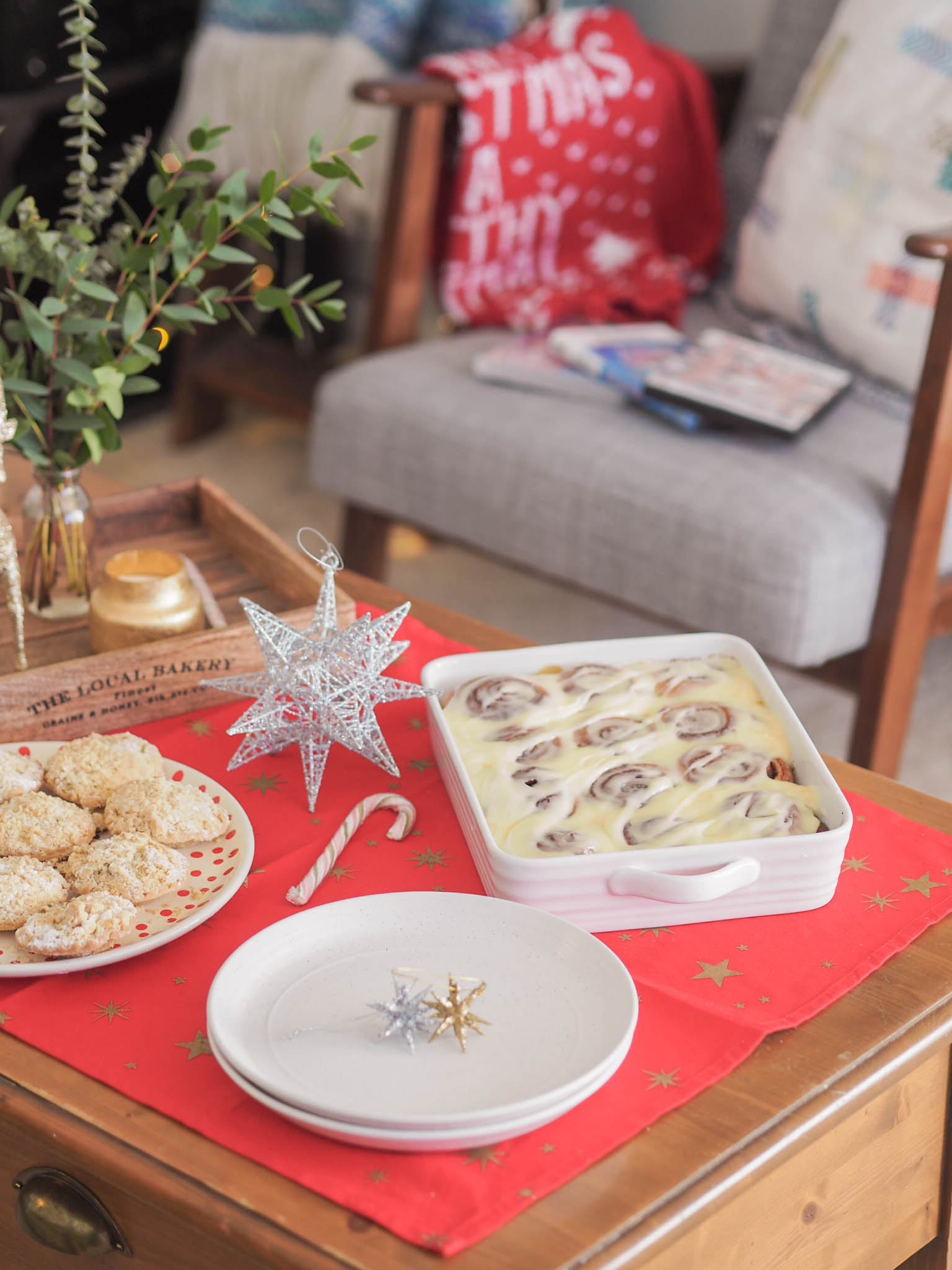 Ghenet Actually || Creating Our Own Christmas Traditions